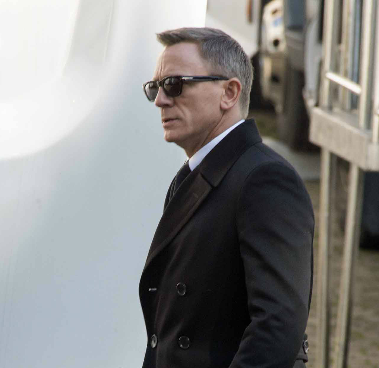 Blue Star Style Breakdown Daniel Craig Out Of The Blue